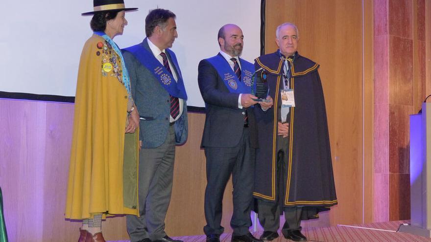 La compañía cordobesa recibiendo el premio europeo.