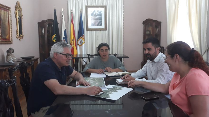 Un momento de la reunión en Fuencaliente.