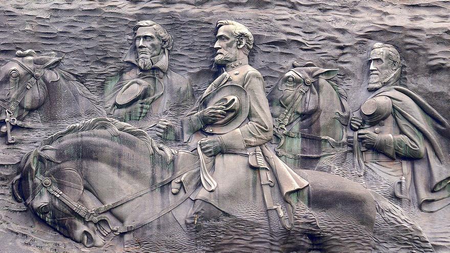 Las figuras de Davies, Lee y Jackson en Stone Mountain, en Georgia.