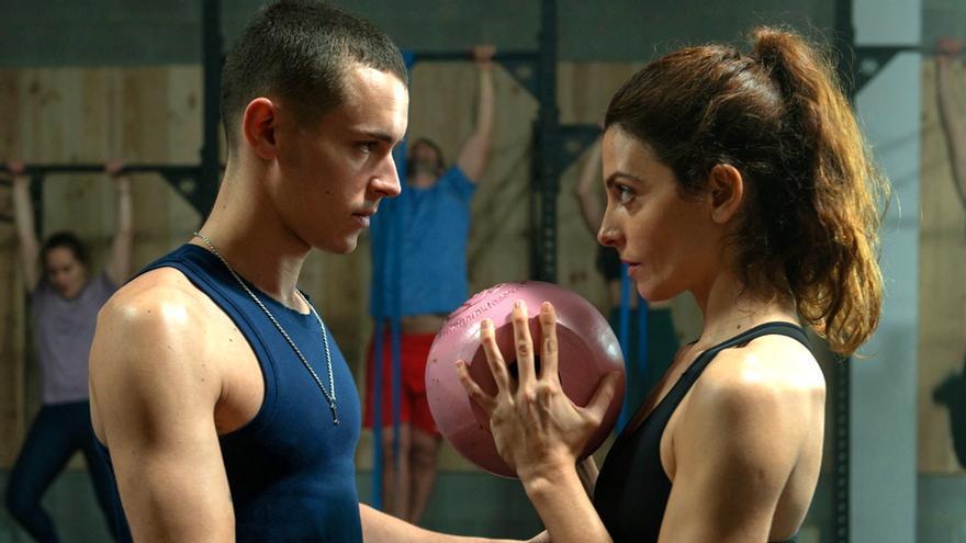 Arón Piper y Bárbara Lennie en 'El desorden que dejas'