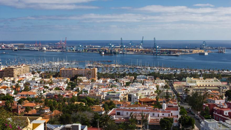 Ciudad Jardín y el Puerto de la Luz desde Ciudad Alta.