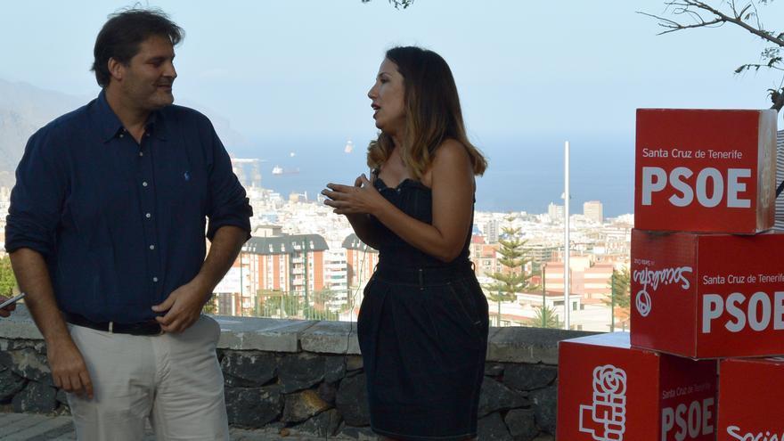José Ángel Martín junto a la exalcaldesa de Santa Cruz, Patricia Hernández