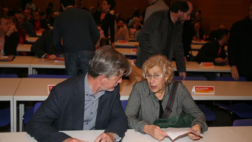 El alcalde de Zaragoza en un encuentro en Valencia con otros representantes municipales.