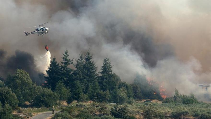 Los dos incendios más importantes de Ourense ya han arrasado mil hectáreas