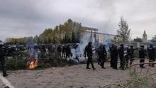 La policía desaloja a los manifestantes de la AP-7 en Girona en el tercer día de cortes de carreteras en Catalunya