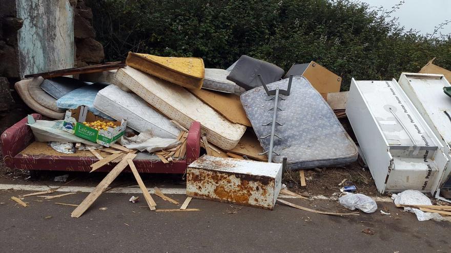 Residuos incontrolados en la Villa de Moya