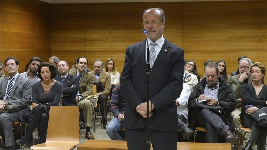 El alcalde de Valladolid, Javier León de la Riva, durante el juicio
