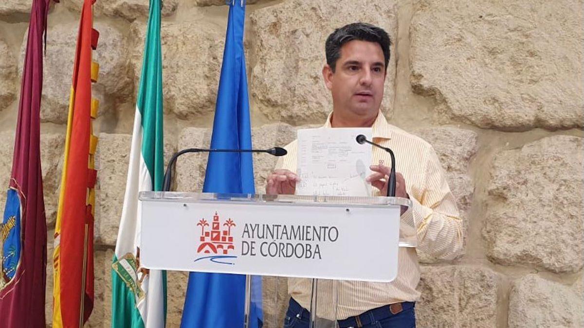 Pedro García, critica la gestión turística.