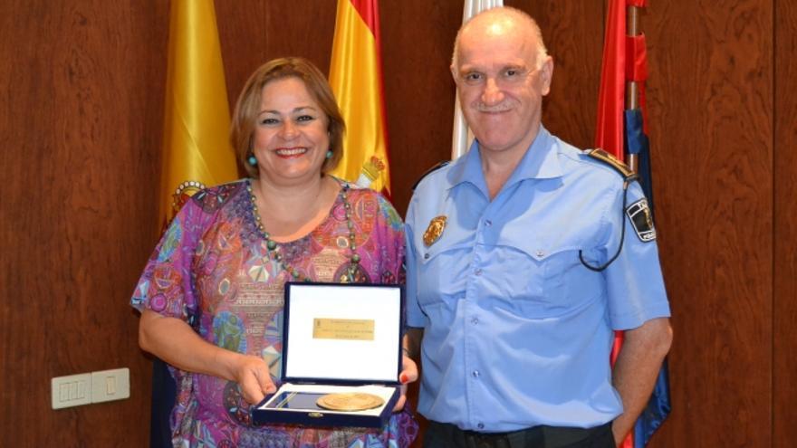 La ex alcaldesa Mari Carmen Castellano junto a Félix Ramos (TELDEACTUALIDAD)