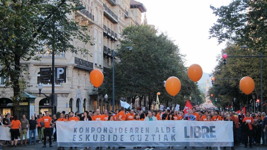 Miles de personas rechazan en Bilbao los 'macrojuicios' contra Segi y las Herriko Tabernas
