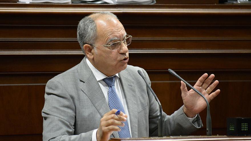 Casimiro Curbelo insiste en que la UE active una estrategia común para exigir la PCR en los países de origen