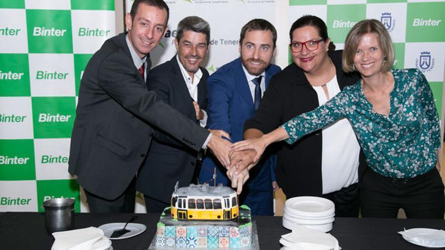 Acto de inauguración de la ruta de Binter entre Tenerife y Lisboa.