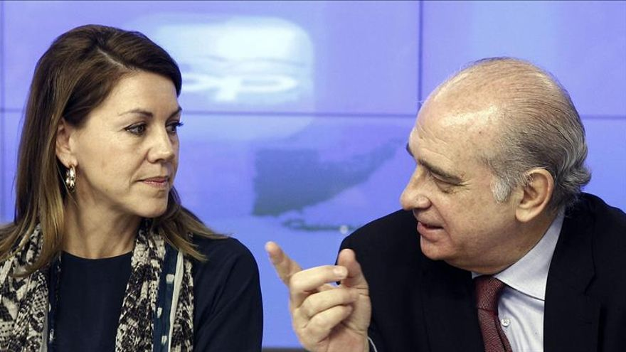 María Dolores de Cospedal y Jorge Fernández Díaz en un acto del Partido Popular