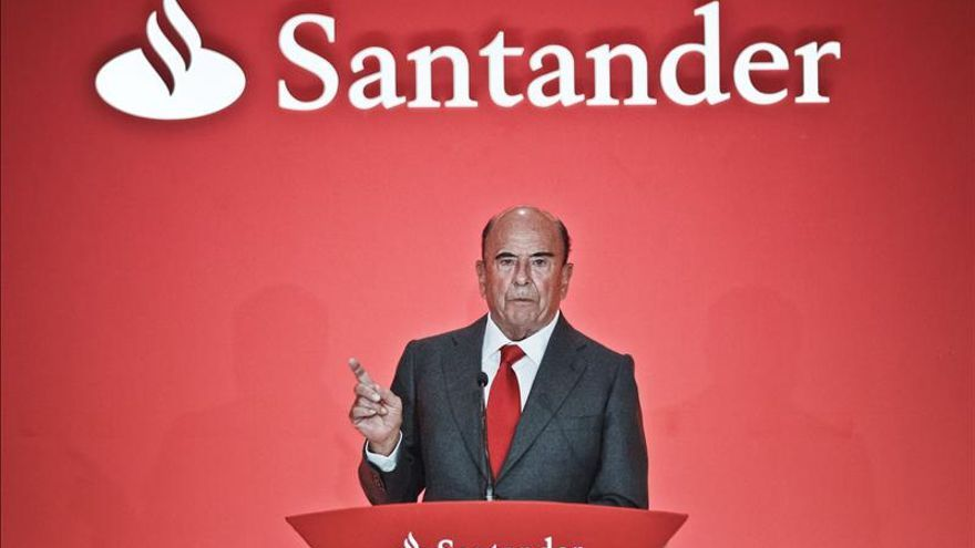 El Banco Santander se ha visto salpicado por todos los escándalos de la crisis mundial.