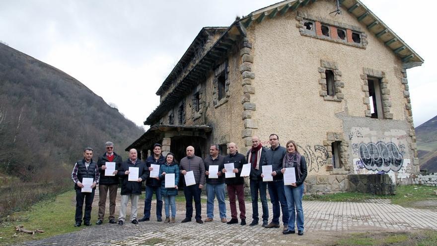 """PRC critica la visita de """"campaña electoral"""" de Buruaga a los Valles Pasiegos"""