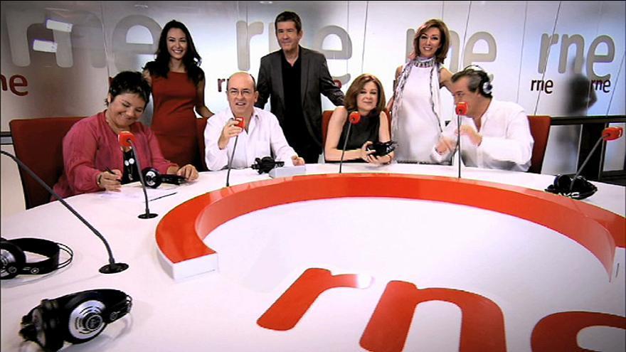 Foto de familia del equipo de RNE en la temporada 2012-2013 / RTVE