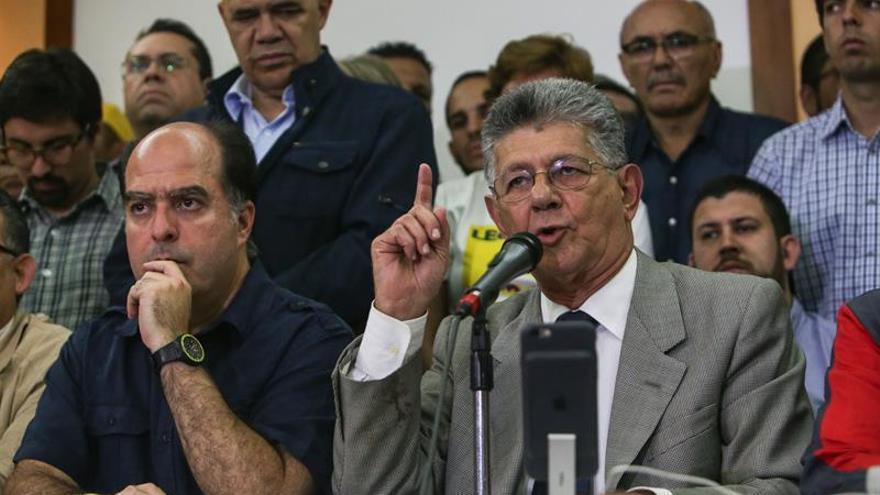 Los partidos opositores van a las elecciones primarias para las regionales en Venezuela