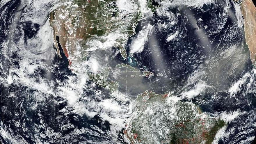 Masa de polvo sahariano sobre América Central se extiende al Pacífico Oriental el 24 de junio de 2020