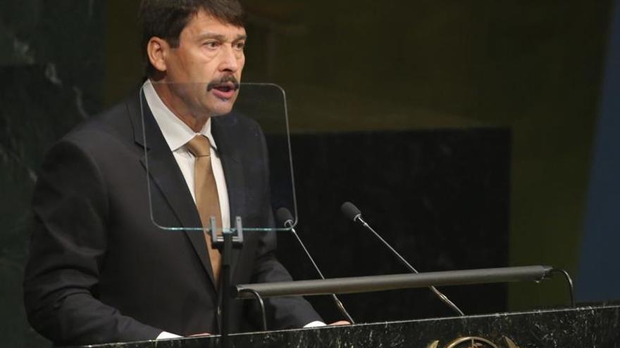 El Parlamento húngaro elige mañana al presidente del país