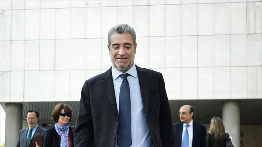 Miguel Ángel Rodríguez pide perdón y niega que cuadruplicara la tasa de alcohol