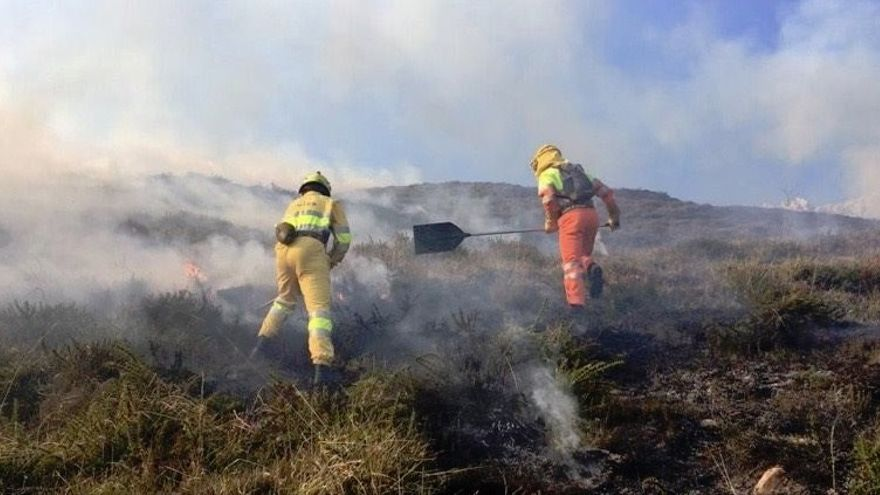 Activado el nivel 2 del operativo de lucha contra incendios forestales en el sur de Cantabria