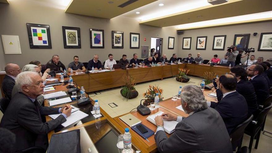 Los estibadores rechazan la mediación y piden una propuesta normativa al Gobierno
