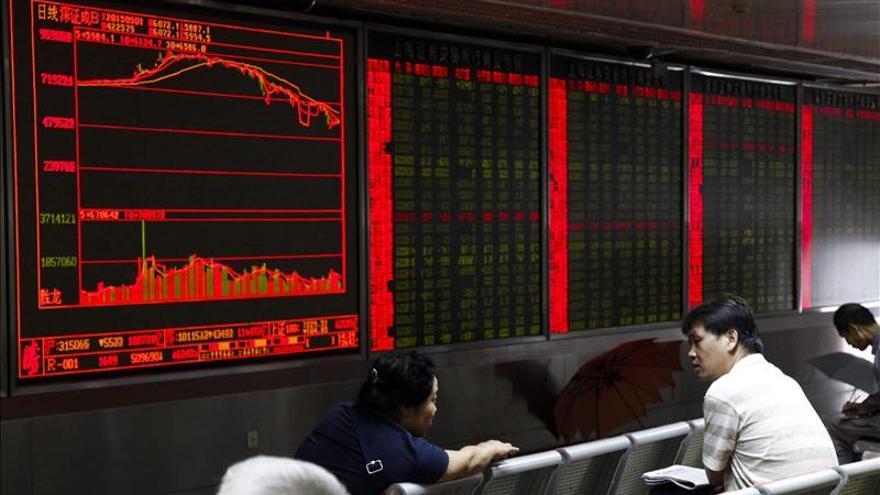 La Bolsa de Shanghái abre un 0,24 por ciento a la baja