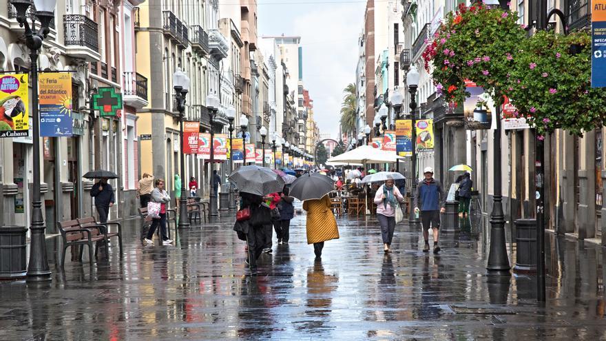 Lluvia en una calle de Las Palmas de Gran Canaria