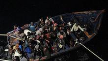 Patera rescatada al sur de Gran Canaria con 42 inmigrantes