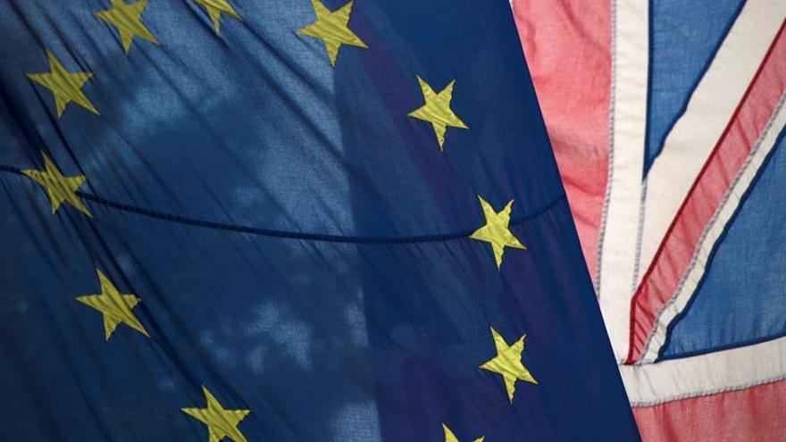 """Un grupo a favor del """"brexit"""" pide un acuerdo de libre comercio con la UE"""