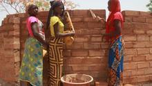 Construyendo el granero. Centro de Formación en Agroecológica de Coumbacara (CEFAC), Senegal