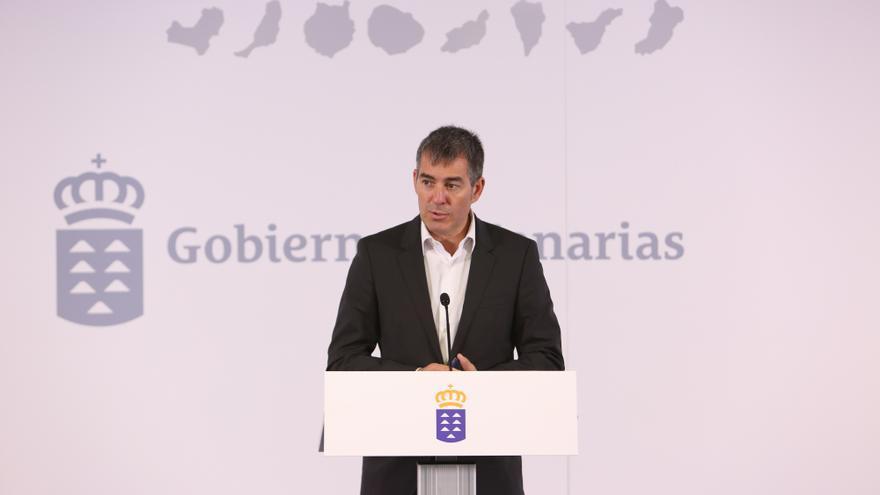 El presidente canario, Fernando Clavijo, hace balance de sus dos primeros años de Gobierno (ALEJANDRO RAMOS)