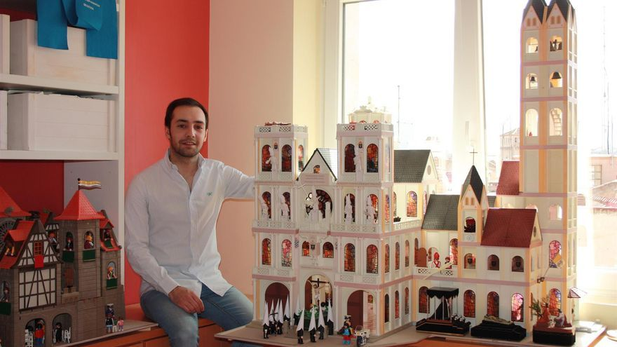 Catedral en miniatura realizada por Luis Gómez.