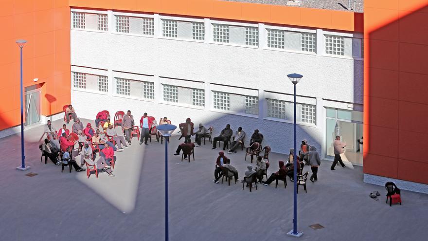 Grupo de personas que llegó a Gran Canaria esta semana y que Cáritas ha acogido en un centro de El Polvorín.