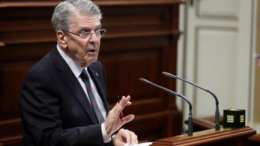 El consejero de Administraciones Públicas del Gobierno de Canarias, Julio Pérez.