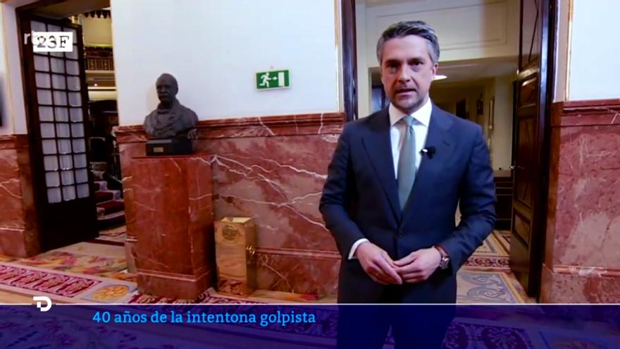Carlos Franganillo, en el Congreso de los Diputados durante el Telediario especial del 23-F