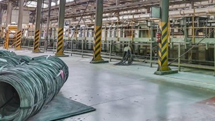 Interior de la Global Special Steel Products, antigua Trefilerías Quijano.