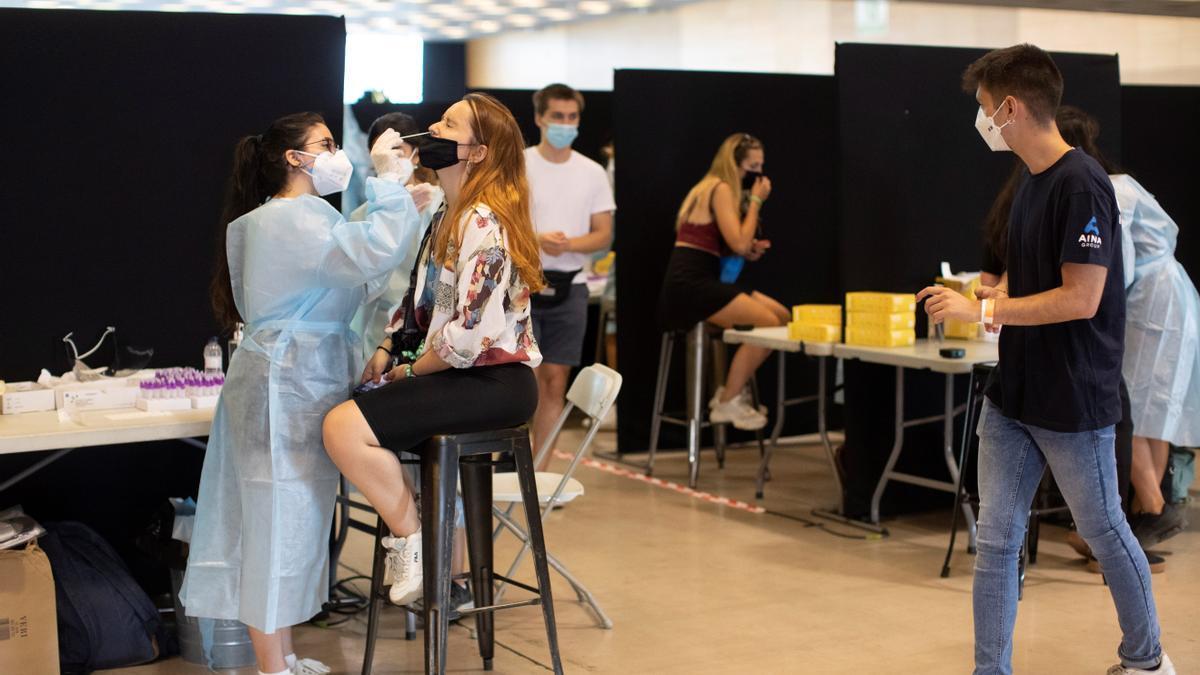 Galicia triplica los hospitalizados por covid en las últimas dos semanas. EFE/Marta Pérez/Archivo