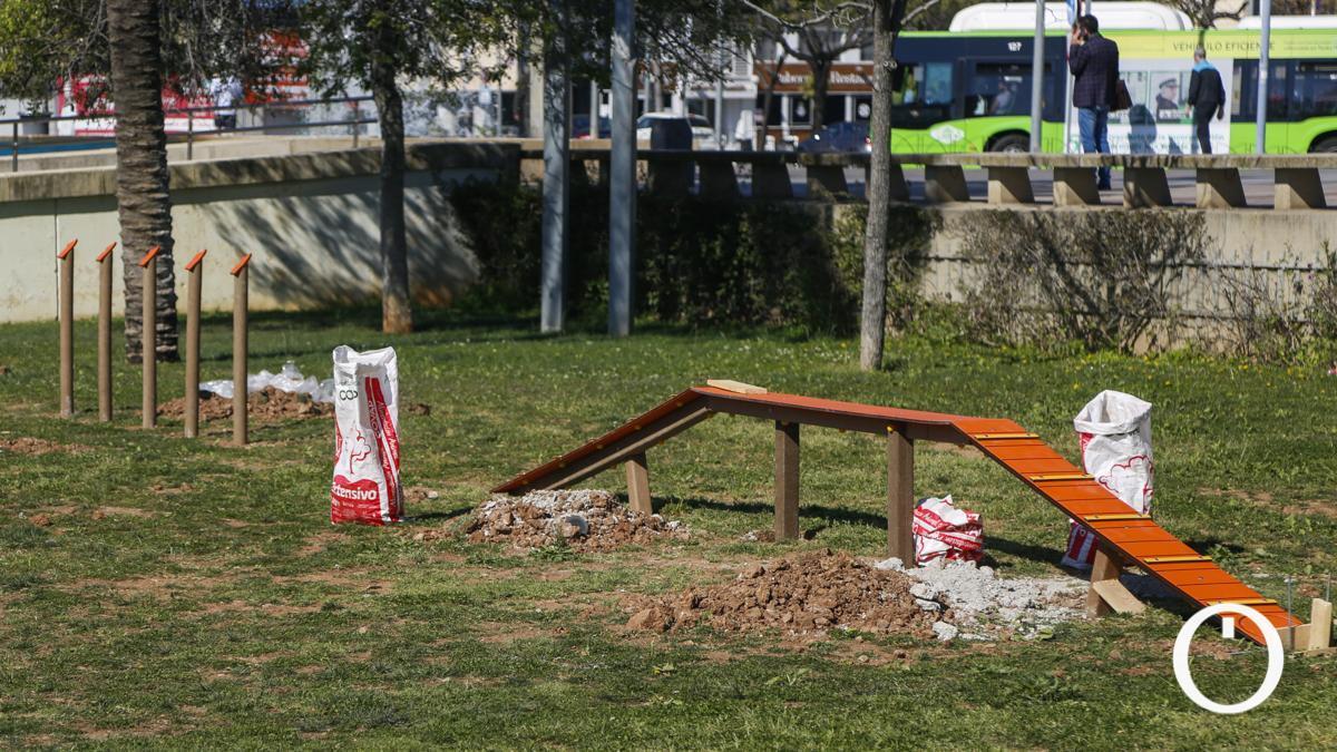 Obras del parque canino en el Vial Norte.