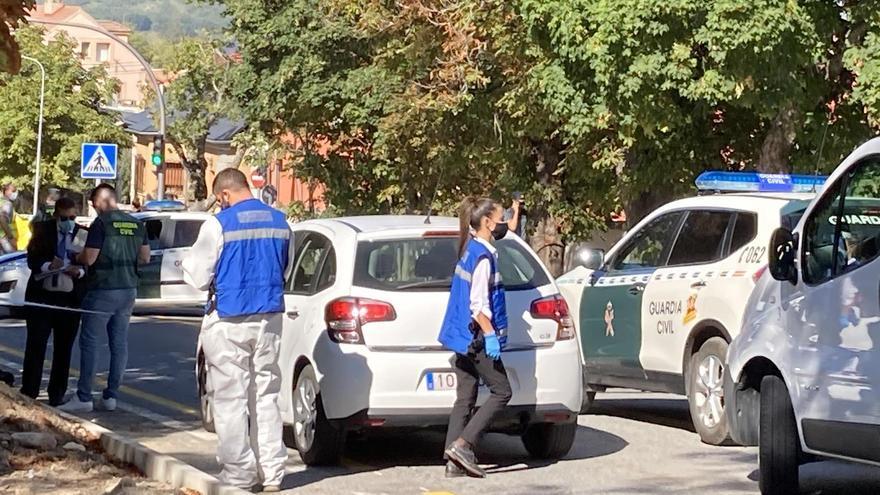 Muere una mujer por arma blanca en la CL-601 dirección Valsaín justo a la entrada al municipio segoviano de La Granja.