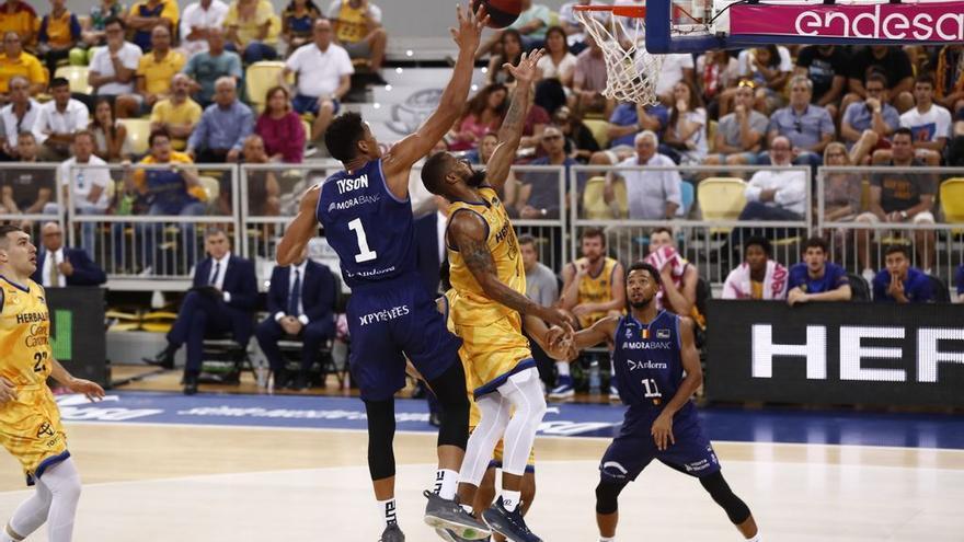 Acción del encuentro frente an Andorra en el Gran Canaria Arena