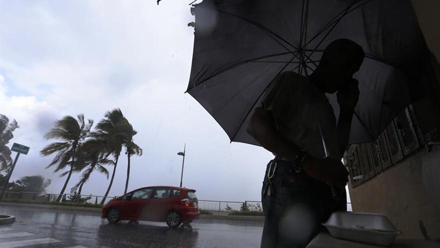 Florida toma medidas ante el posible paso del huracán Irma
