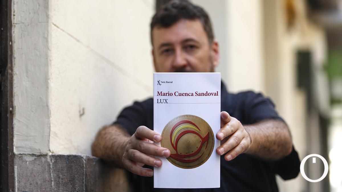 Entrevista a Mario Cuenca Sandoval, autor de 'Lux'