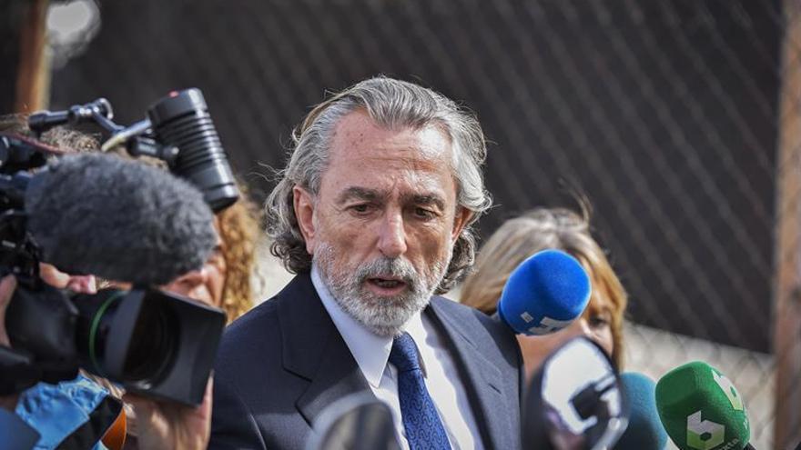 Francisco Correa, en el exterior de la Audiencia Nacional donde se juzga el caso Gürtel.