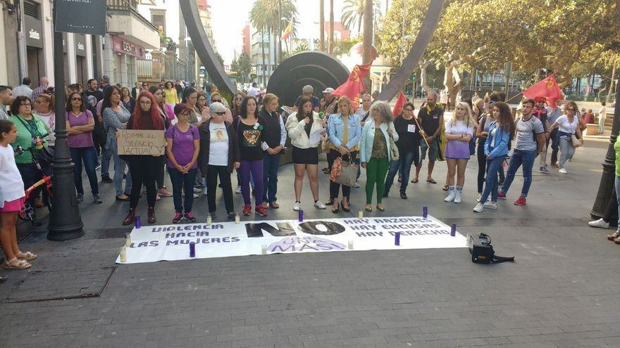 Concentración en Gran Canaria por las víctimas de violencia machista este verano en Gran Canaria.
