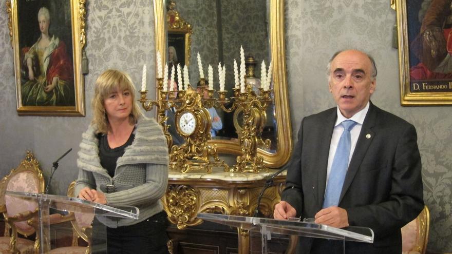 Gobierno de Navarra y Euskaltzaindia firman un convenio de colaboración para 2016