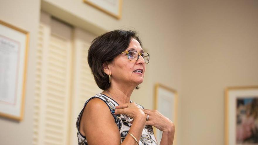 La profesora Maggie Rivas-Rodríguez, creadora del proyecto de historia oral latina 'Voces'