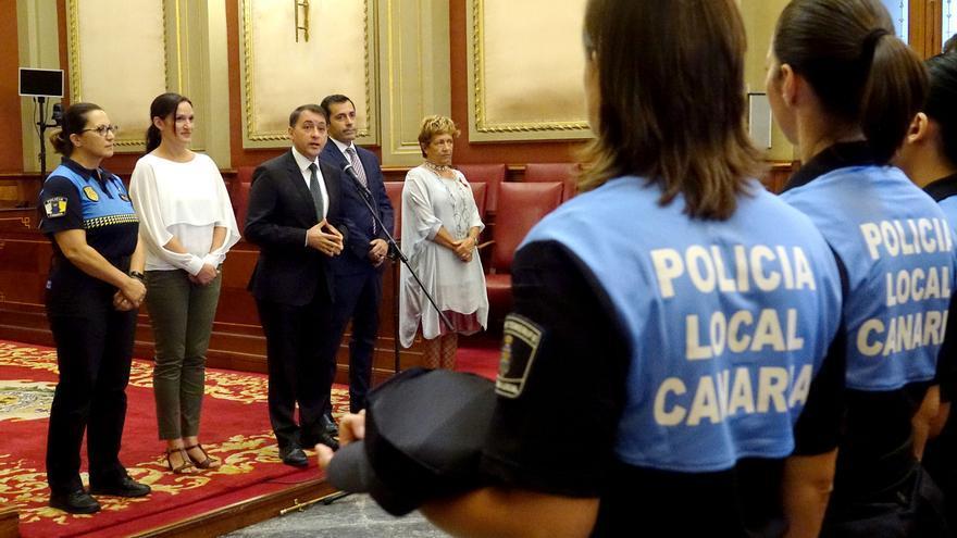 Acto celebrado este lunes en el Ayuntamiento de la capital tinerfeña