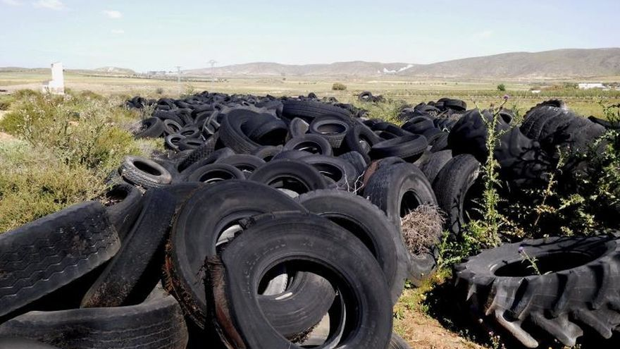 La Comisión Europea da un ultimátum a España por sus vertederos ilegales
