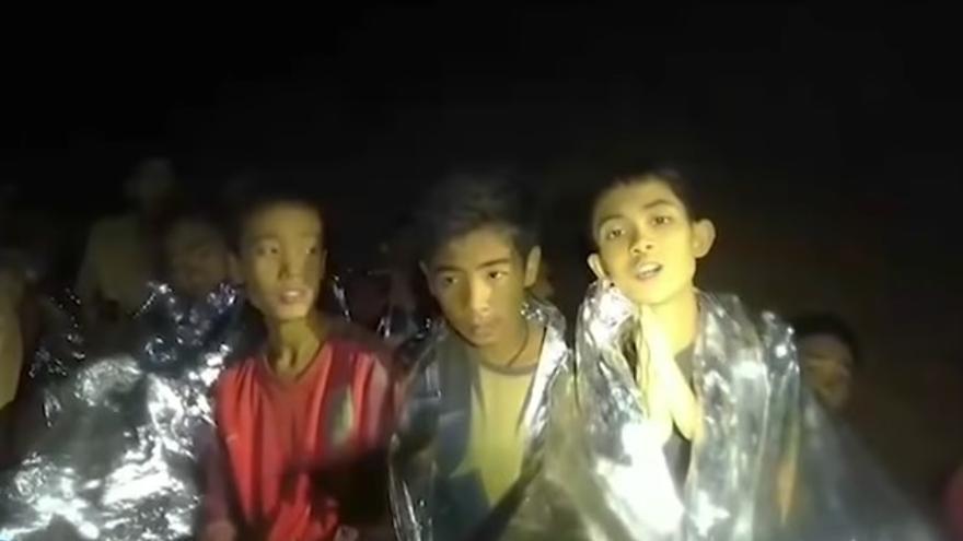 Imagen de los niños atrapados en una cueva de Tailandia / Marina tailandesa